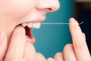 a-importância-do-fio-dental